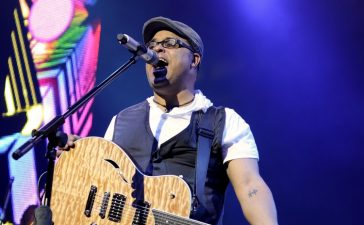 Israel Houghton honored with Visionary Award