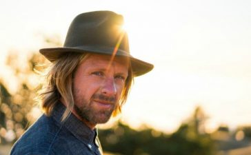 Jon Foreman does pop-up shows