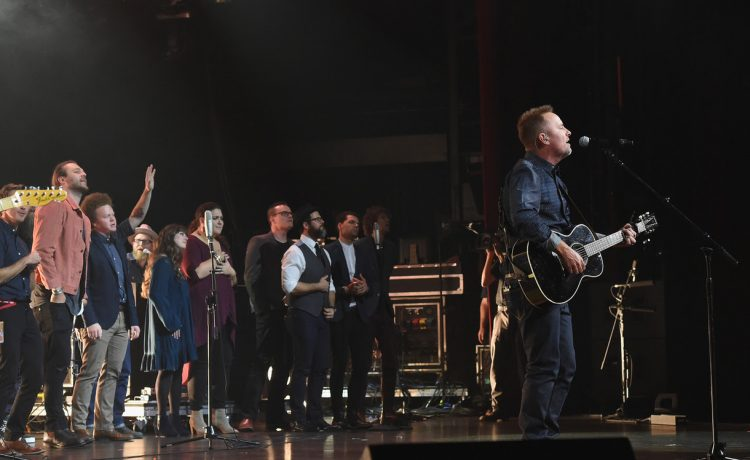 Chris Tomln performs at K-LOVE awards with other artists