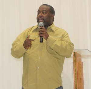 P.J.Morgan delivers a timely message at Jarvis Smith discusses social media at DMV Singers and Musicians Fellowship