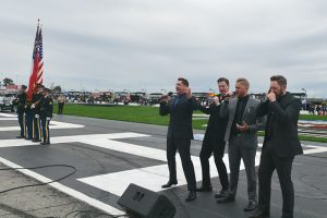 Ernie Haase & Signature Sound sing National Anthem