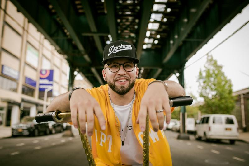Andy Mineo strikes Gold