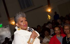 Lavenia Nesmith as Mahalia Jackson