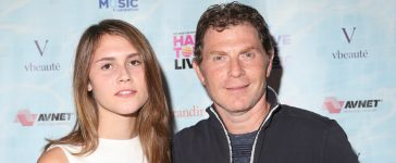 Bobby Flays and daughter Sophie cooking show airs