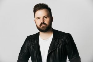 Cody Carnes has new song