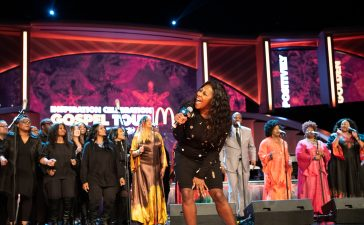 LeAndria Johnson sings
