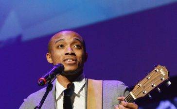Jonathan McReynolds will perform at IMMERSE