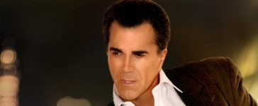 Christian singer Carman is releasing and album and going on tour